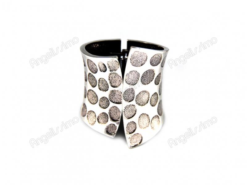 Браслет из серебряного металла