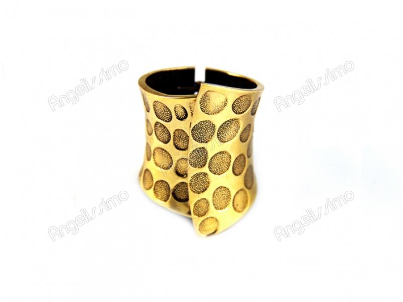 Браслет из золотистого металла