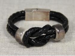 Браслет черный плетеный с бусинами ручной работы от Marina Lurye